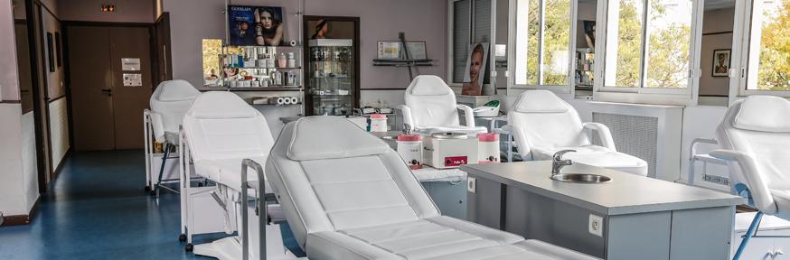 BTS métiers esthétique cosmétique parfumerie Rodez